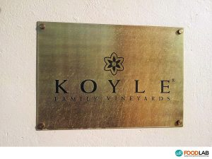 Analisi del vino alla cantina Koyle - CDR WineLab in Chile